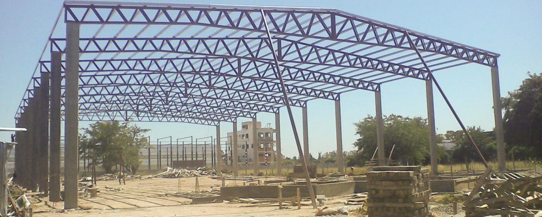Deposito de 2000m2 de insumos para la construcción. Con 300m2 de oficinas y servicios.