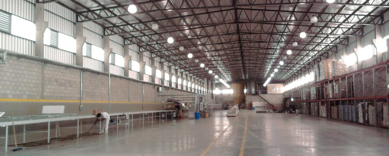 Naves industrial de 3000m2. Fábrica de galletitas y 300m2 de oficinas y servicios.