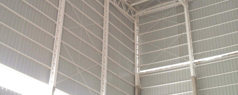Nave industrial de 4000m2. Fábrica de fideos con depósito de silos. 300m2 de oficinas y servicios.